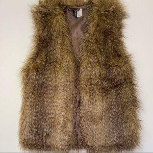 H&M Faux Fur Single Hook Lined Vest w/ Pockets